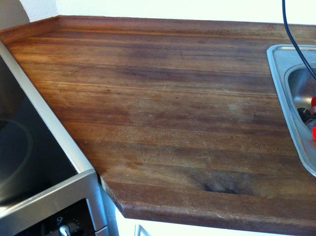 Oprindeligt Så gør det dog selv kvinde!!! Den slidte bordplade i køkkenet. | BF78