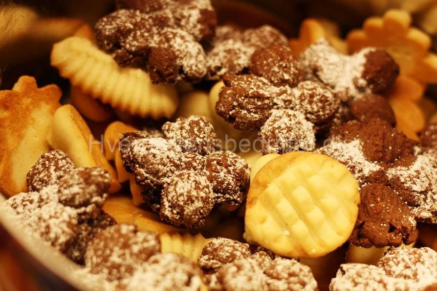 Chokolade småkager i selskab med polske lækre småkager